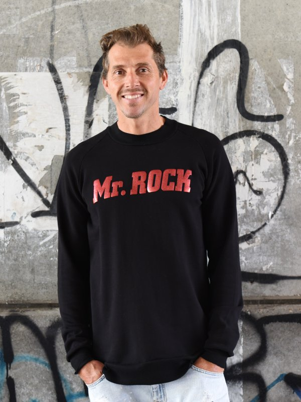 "SUDADERA UNISEX ""MR ROCK"" NEGRA"